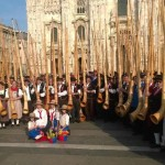 Swiss break alphorn concert record in Milan. An amazing spectacle.