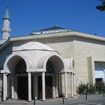French police search homes of Geneva mosque imams