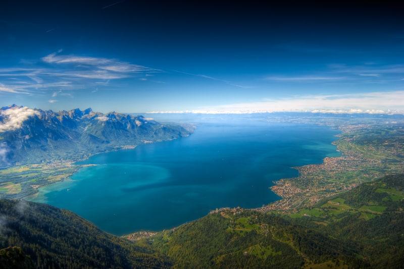 Lake Geneva Travel Guide