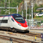 Italy suspends rail links with Switzerland
