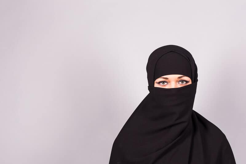 Swiss to vote on face covering ban