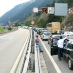 Queues reach 14 kilometres at Gotthard tunnel